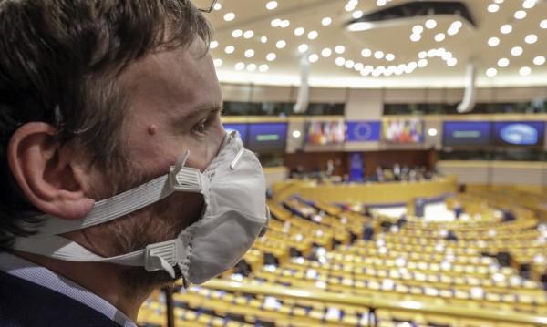 Пренасочват 37 млрд.евро от еврофондове за борба с COVID-19