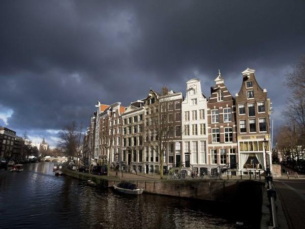 В Нидерландия и Белгия отриха коронавирус в канализацията. Властите предупреждават