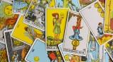 Таро карти - какво очаква всяка зодия през април?