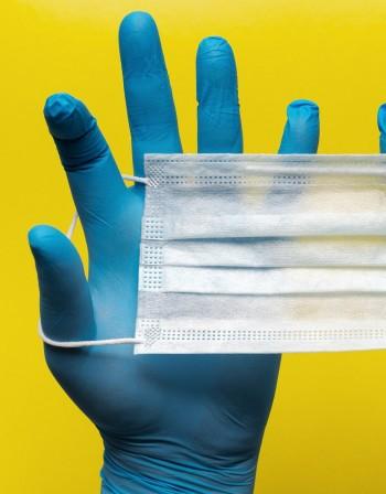 Ръкавици от латекс - защитават ли ни от коронавирус?