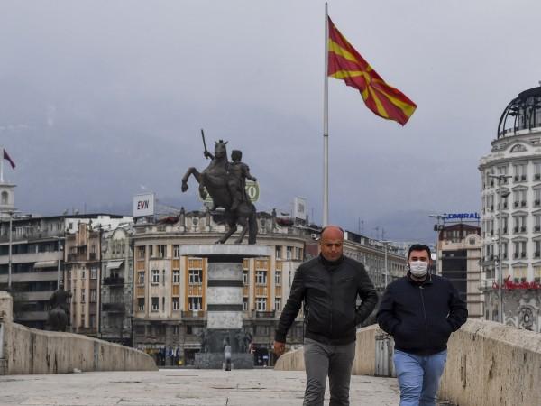 Северна Македония стана 30-тата членка на НАТО, като нейното знаме
