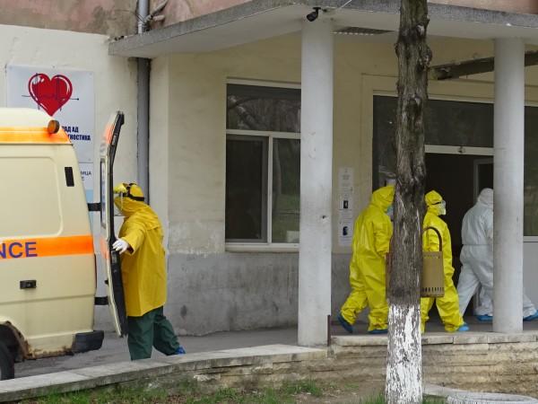 Починалият 55-годишен мъж от Банско не е работил на лифта.