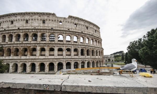 Броят на жертвите на COVID-19 в Италия надхвърли 10 000