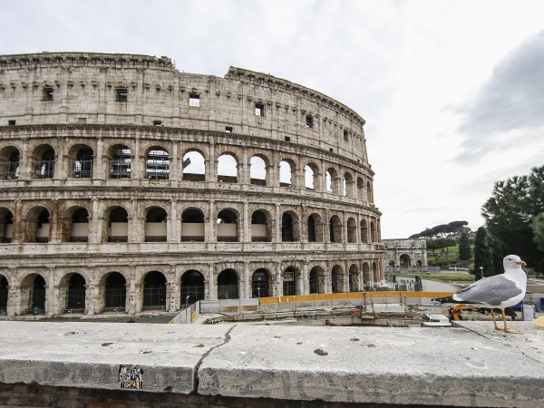 Броят на починалите от коронавируса в Италия надхвърли 10 000