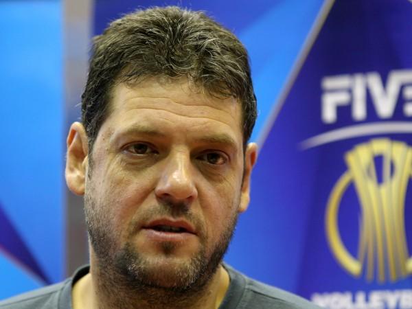 Бившият селекционер на националите Пламен Констатнитов-Гибона спечели волейболната титла на