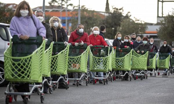 Сицилия се готви за масов обир на супермаркети