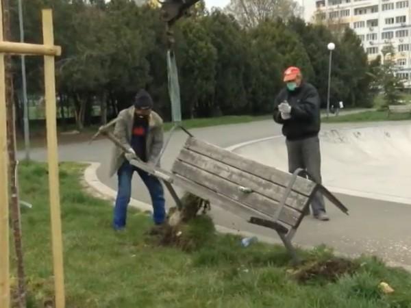 Бургас с нестандартна инициатива за справяне с нарушителите. Кметът на