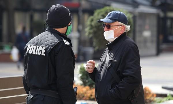 Полицаите в Пловдив без отпуск до края на извънредното положение