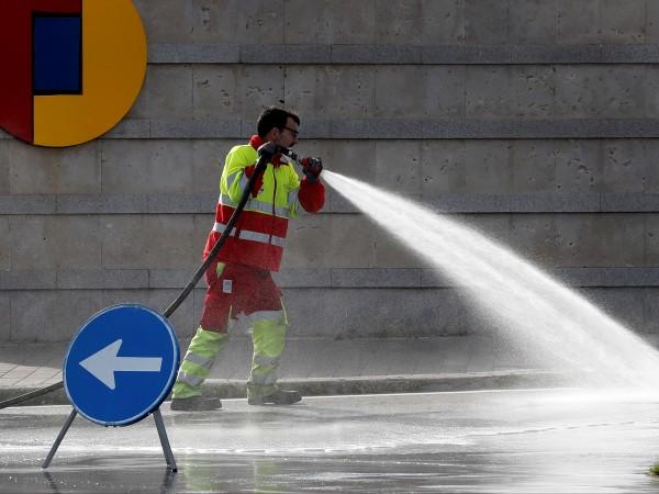 Ограничителните мерки, въведени в големите градове в Европа заради новия