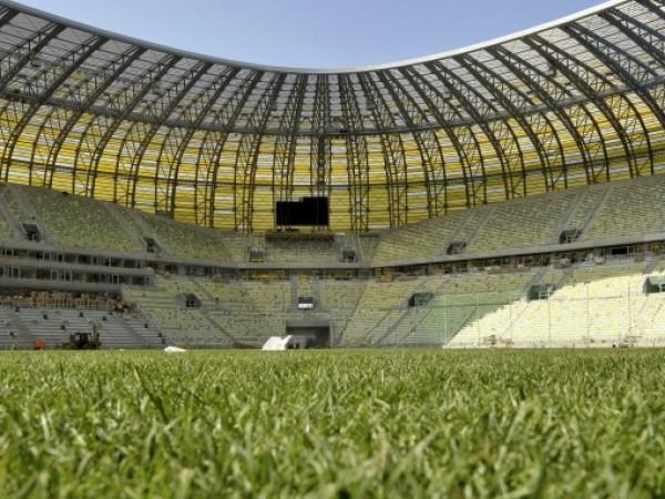Шефовете на УЕФА продължават да търсят варианти за доиграване на