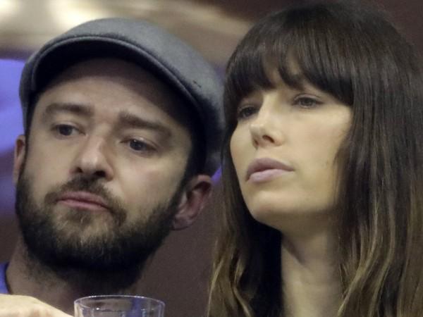 Джъстин Тимбърлейк и жена му Джесика Бийл избягаха от коронавируса