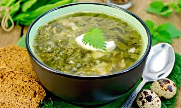 Рецептата Dnes: Пролетна супа с коприва и джоджен