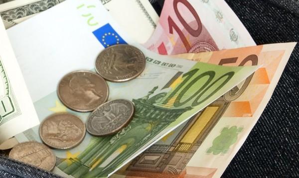По колко се плаща за труд на час? €6 в България, €44,7 в...