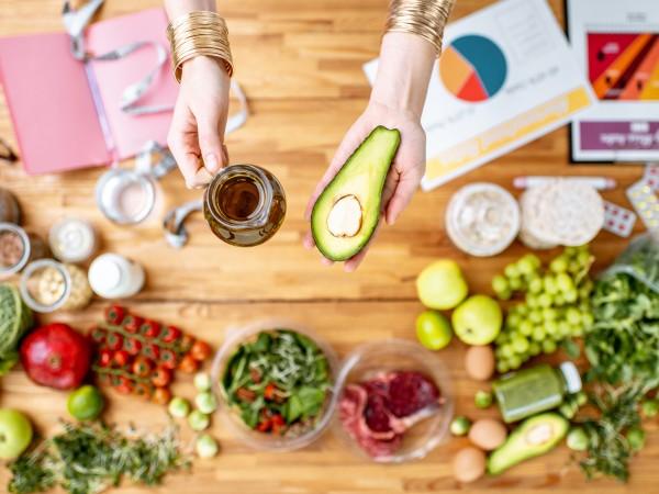 Нисковъглехидратното и високомазнинно хранене стана хит през изминалата година. Много