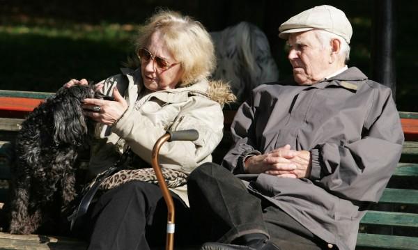 Преизчисляват пенсиите на работещи пенсионери