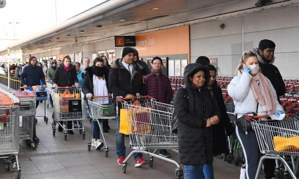 На Острова пазаруват повече, Коледа бледнее