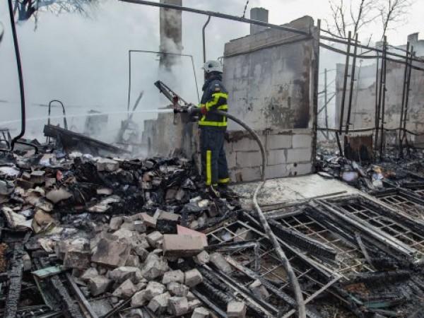 Четирима души са пострадали при пожар в кравеферма в селоБлато,