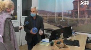 Роден инженер изработи евтин апарат за обдишване