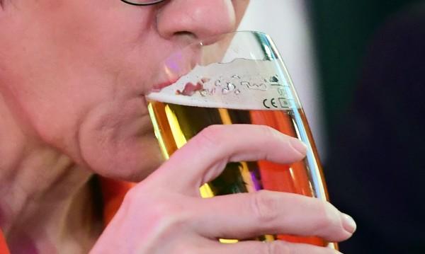 Заради COVID-19: Край на наливната бира в Чехия