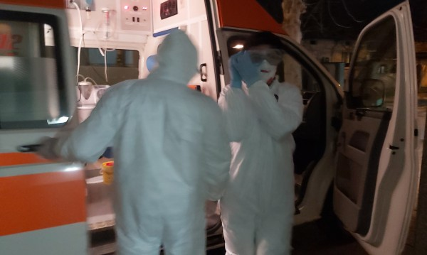 Не взели за лечение мъж с пневмония от коронавирус