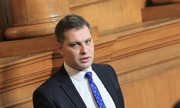 Депутат: Във ВМРО няма нито един заразен с коронавирус