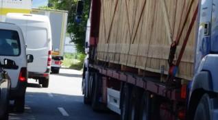 Възстановяват 50% от толтаксите за камиони на метан и газ
