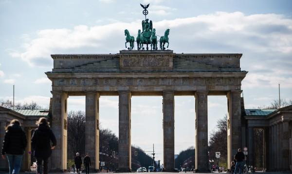 Берлински кмет се извинява, нарочно се заразил с COVID-19