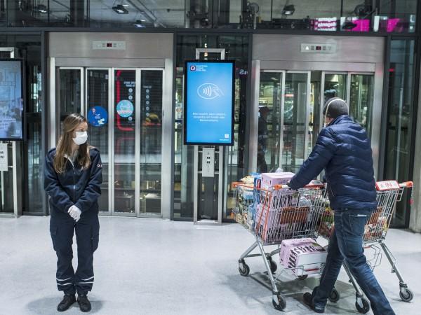 Австрия въвежда задължителен мораториум върху заемите за потребители и малки