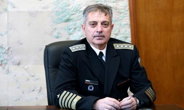 Адмирал Емил Ефтимов вече оглавява отбраната ни