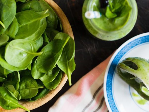 Спанакът е суперхрана, която мнозина подценяват. Зеленолистният зеленчук се почиства