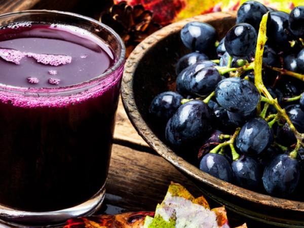 Прясно изцедените плодови сокове имат своите многобройни и разностранни ползи