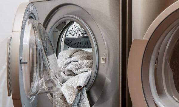 Хигиена по време на пандемия: Как да перем дрехите си?