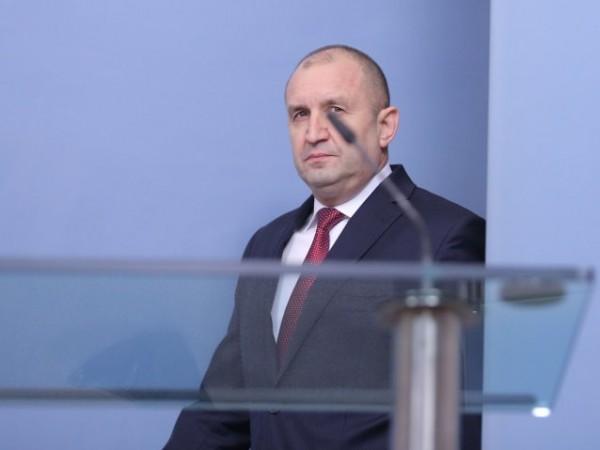 Президентът Румен Радев излезе с изявление, в което критикува правителството