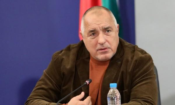 Борисов за мерките: Няма да се разхлабват, Радев да...