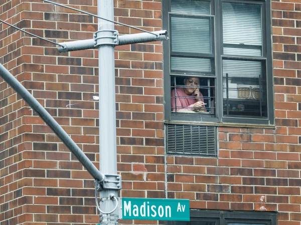 90% от американците седят по домовете си. Заразените в Съединените