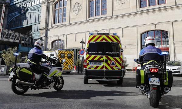 Нападател уби двама с нож пред хлебарница във Франция