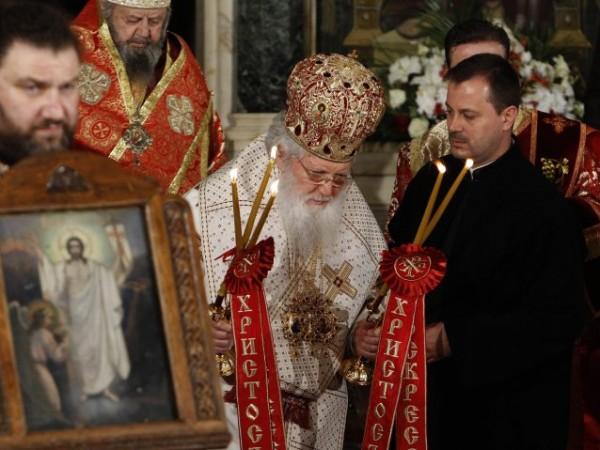 С голямо внимание се очаква становището на Светия синод за