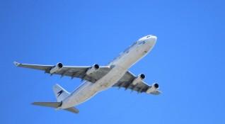 Спад на авиотрафика с 80%, железниците губят наполовина
