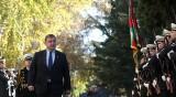Каракачанов към Нинова: Всеки некадърен политик първо посяга на армията