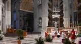 Папа Франциск отслужи литургия без богомолци на Палмова неделя