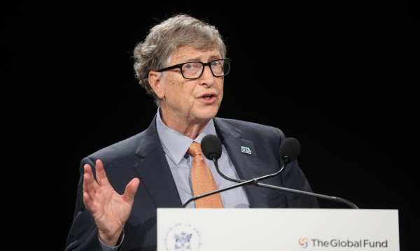 Бил Гейтс: Нормализиране - след ваксина срещу вируса за всички