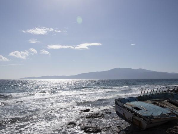 С появата на първите случаи на остров Миконос или Икария