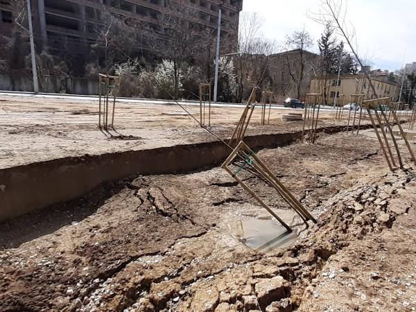Пропадна почвата над новата метростанция до Александровска болница.Спирката е част