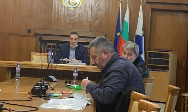 Кметът на Бургас алармира, че свършват тестовете за...