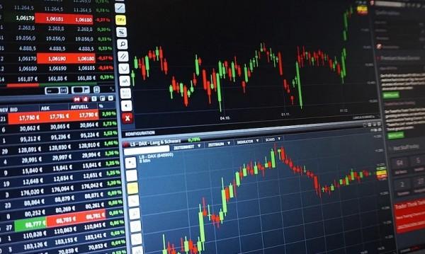 Акциите поскъпват, има признаци за успокояване на пандемията