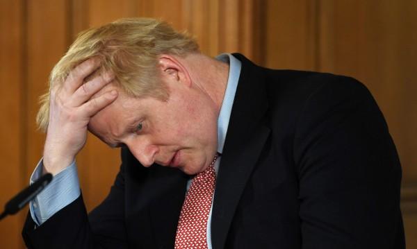 Борис Джонсън е преместен в интензивното отделение