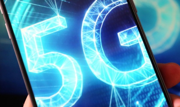 Повредиха поне 20 кули за мобилни комуникации на Острова