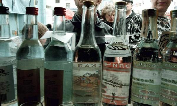 Руските власти не препоръчват водка за дезинфекция