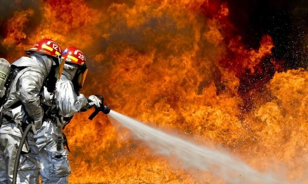 Семейство с четири деца остана без дом след пожар в...