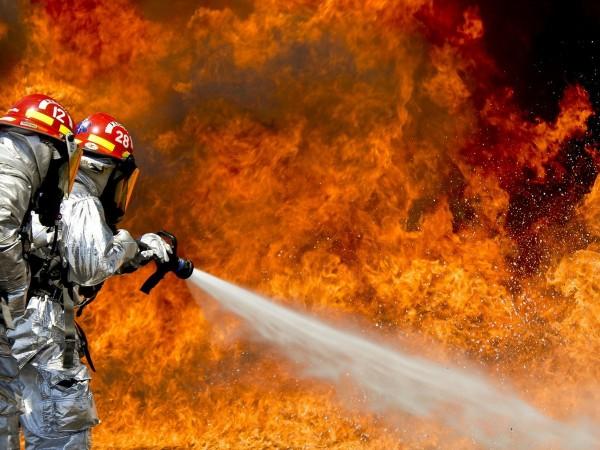 Пожаростави без дом семейство с четири деца в Русе. Огънят